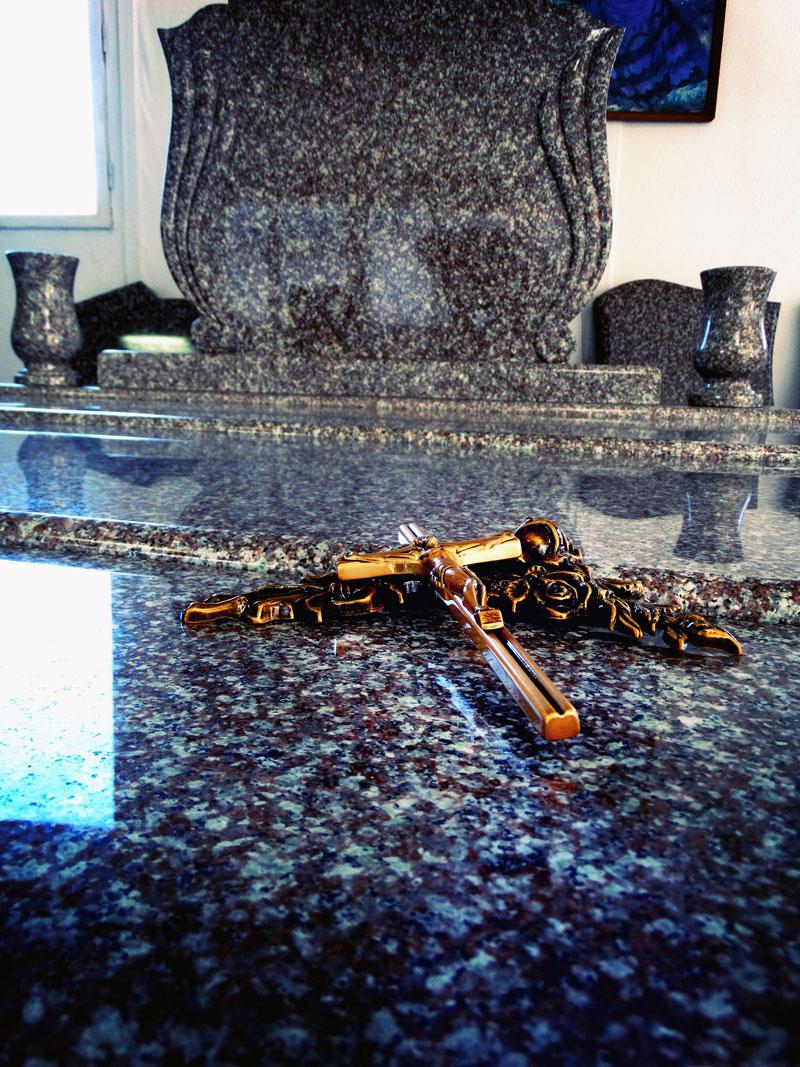 Sírkő síremlék urnasír egyedi sír sírköves Orosháza bemutatóterem 017